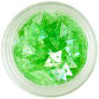 Világoszöld színű háromszögek körmökre