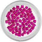 Rózsaszín körömdíszítő kövek – négyzetek